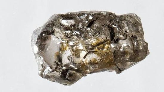 Diamante sin valor pero lleno de misterios