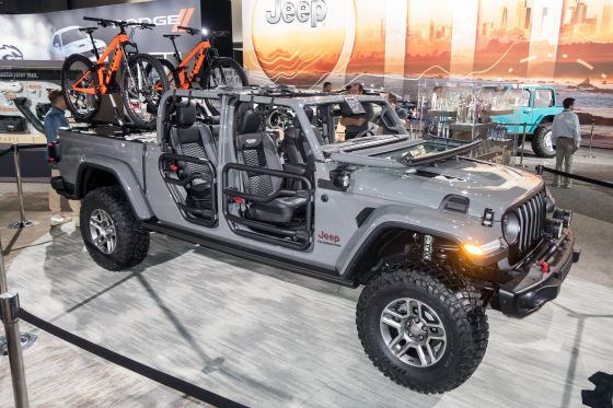 2020 Jeep Gladiator Brings Adventure to Mid-Size Class ...