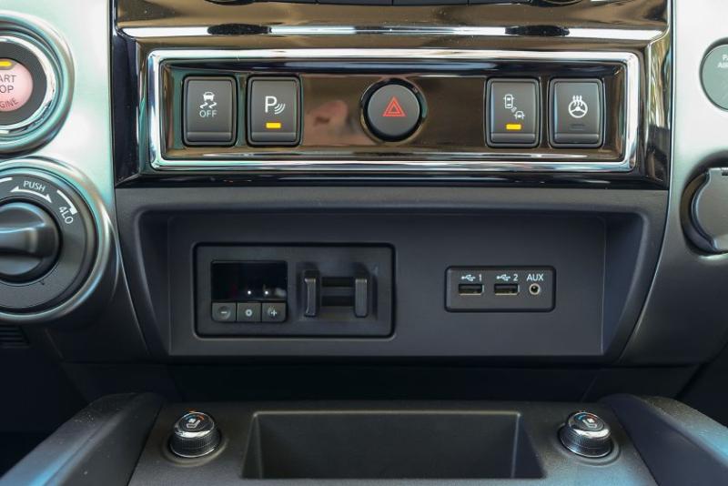 2019 Nissan Titan Platinum Reserve Dashboard