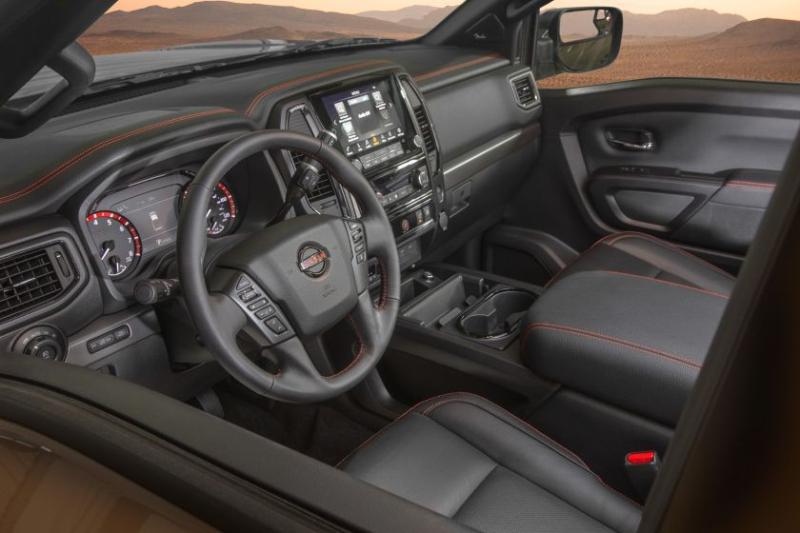 2020 Nissan Titan Cockpit