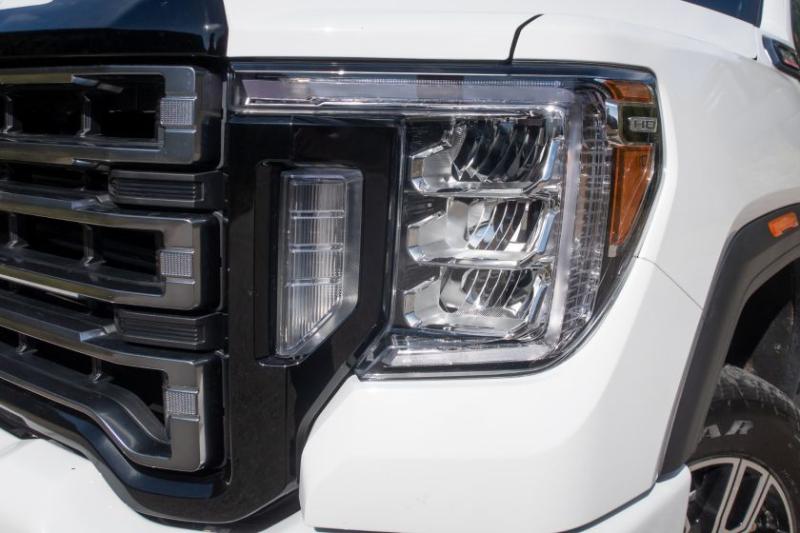 2020 GMC Sierra 2500 AT4 Headlight