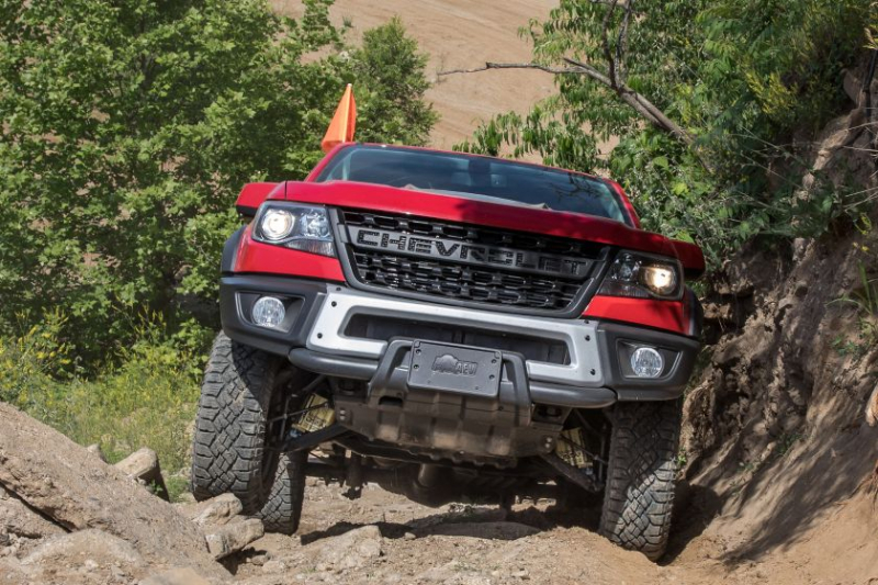 2019 Chevrolet Colorado ZR2 Bison Rock Crawling