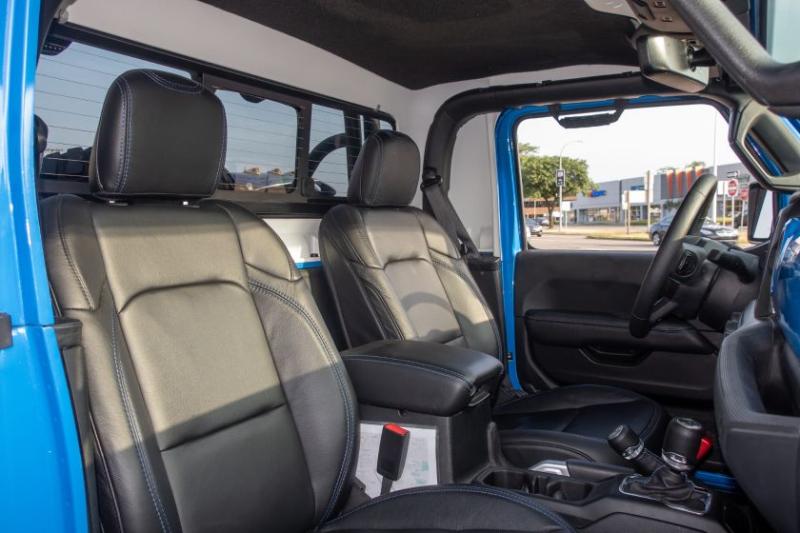 Jeep J6 Concept Front Seats
