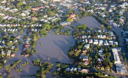Shutterstock_99706340Brisbane River Flood January 2011 Aerial View Milton Homes