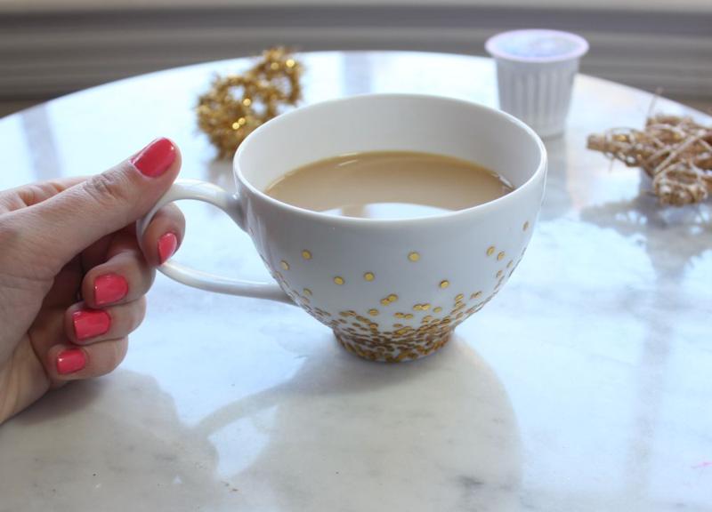 Gold confetti mug