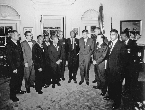 1024px-JFK_meets_with_leaders_of_March_on_Washington_8-28-63