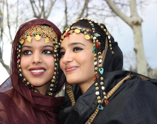 Ebbaba Y Fati_vestimenta tradicional
