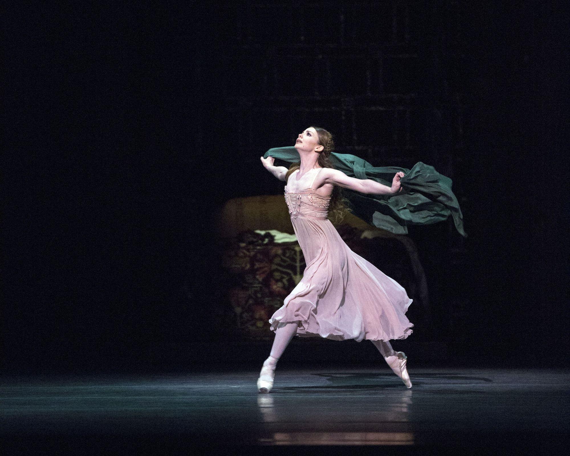 Ballerina Yevgenia Obraztsova: career, repertoire, personal life 45