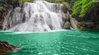 Free-waterfall-wallpaper